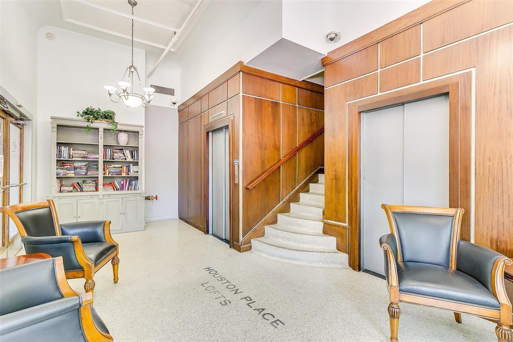 Sold Property | 910 Houston  Street #203 Fort Worth, TX 76102 29