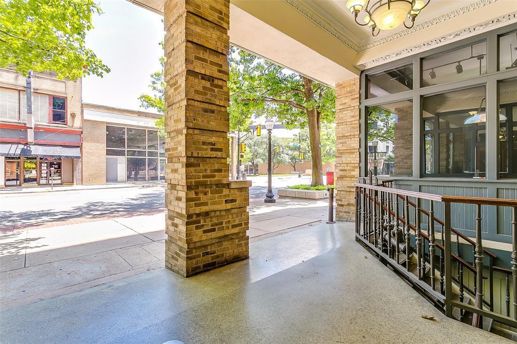 Sold Property | 910 Houston  Street #203 Fort Worth, TX 76102 32