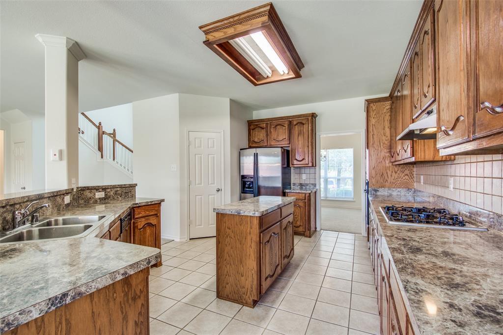 Active Option Contract   1049 Talley  Lane Frisco, TX 75033 5
