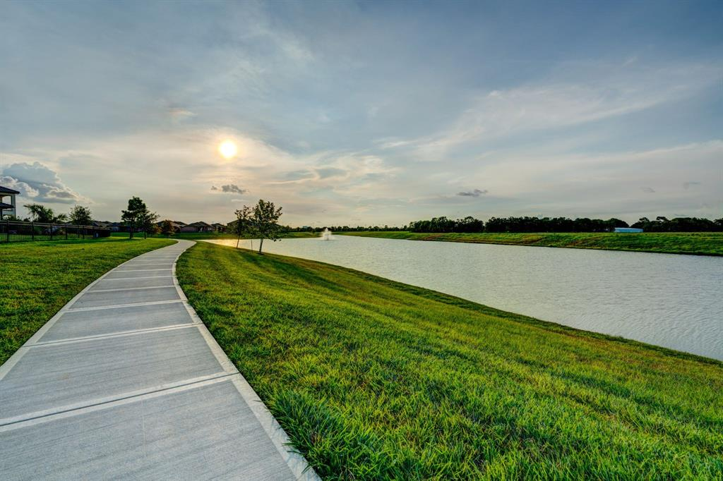 Active | 2573 Scenic Hills  Drive Friendswood, TX 77546 33