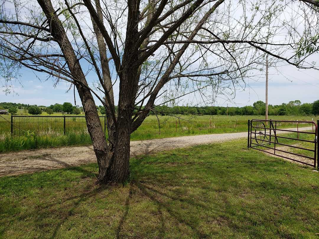 Active | HOME, SHOP AND 7.5 ACRES UP TO 490.5 ACRES Stigler, OK 74462 11