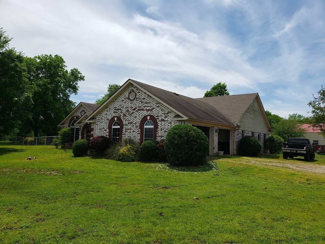 Active | HOME, SHOP AND 7.5 ACRES UP TO 490.5 ACRES Stigler, OK 74462 2