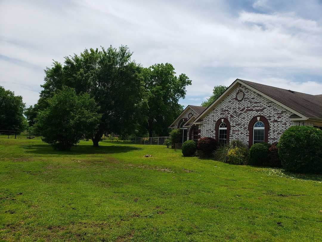 Active | HOME, SHOP AND 7.5 ACRES UP TO 490.5 ACRES Stigler, OK 74462 3
