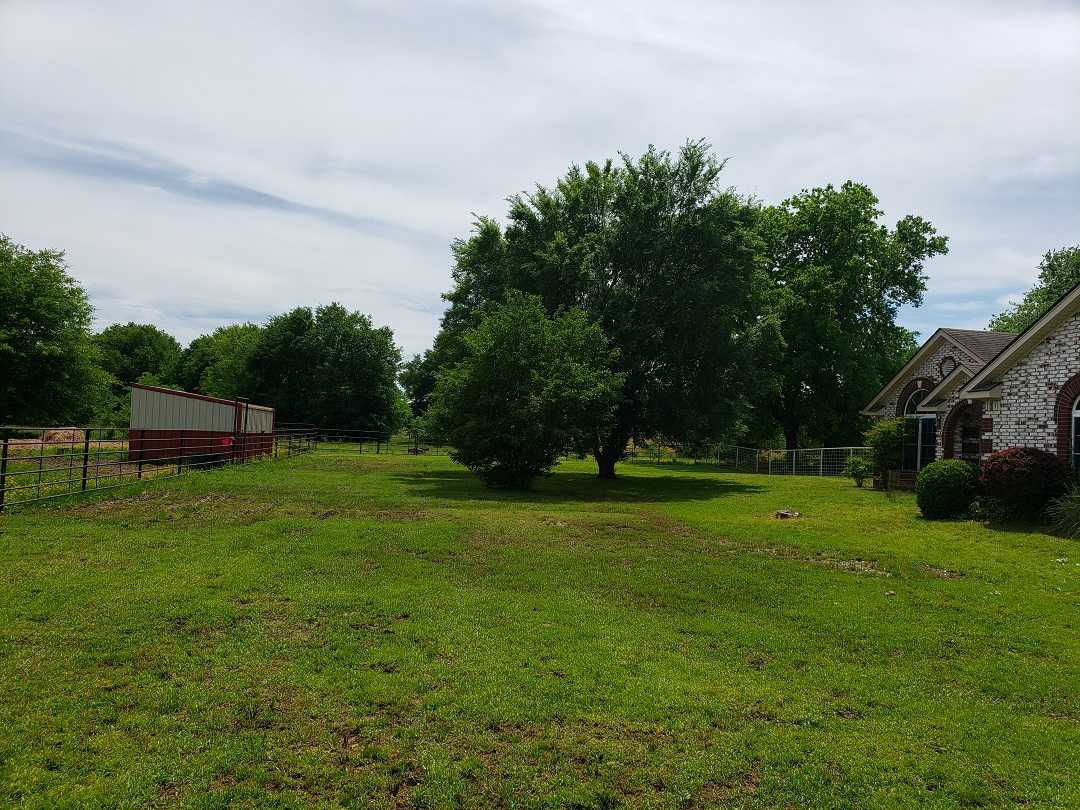 Active | HOME, SHOP AND 7.5 ACRES UP TO 490.5 ACRES Stigler, OK 74462 7