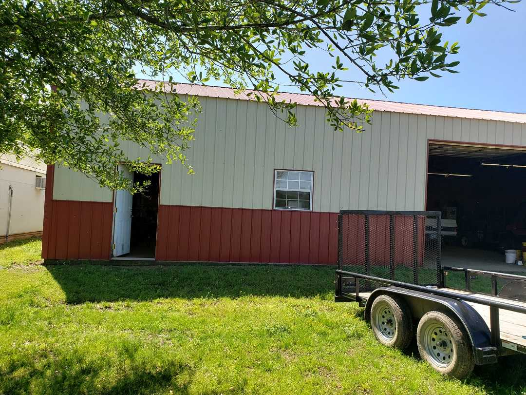 Active | HOME, SHOP AND 7.5 ACRES UP TO 490.5 ACRES Stigler, OK 74462 89