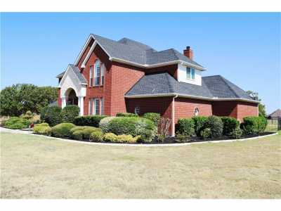 Sold Property | 5008 Wind Hill Court Fort Worth, Texas 76179 2
