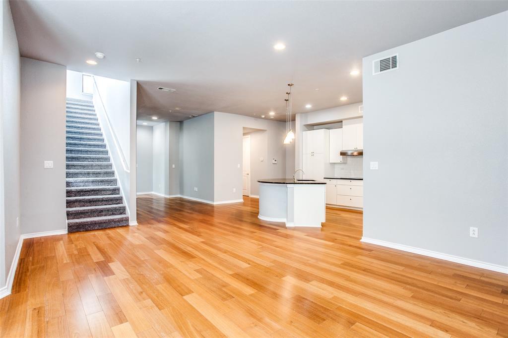 Sold Property   1203 Beaconsfield  Lane #205 Arlington, TX 76011 6