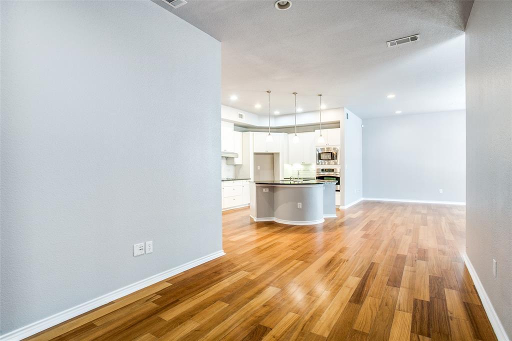 Sold Property   1203 Beaconsfield  Lane #205 Arlington, TX 76011 8