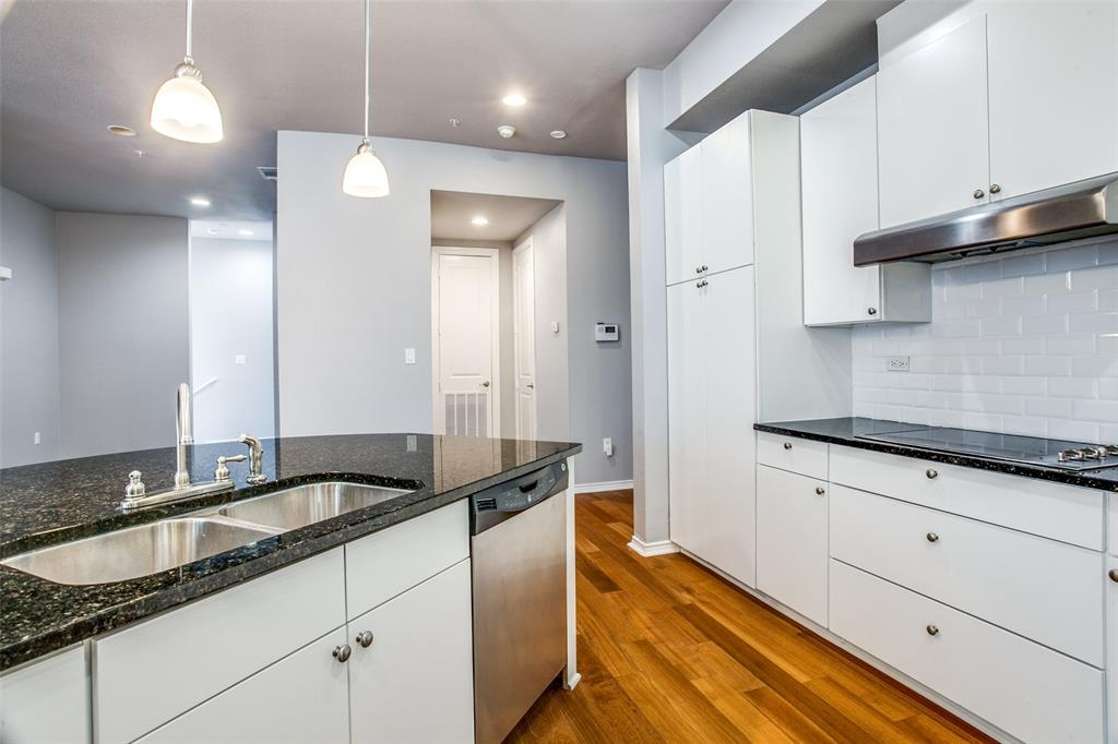 Sold Property   1203 Beaconsfield  Lane #205 Arlington, TX 76011 9