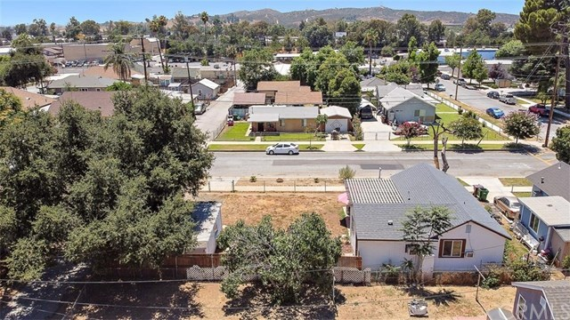 Closed | 386 W 7th  Street Beaumont, CA 92223 17