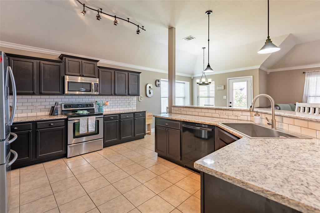 Sold Property | 118 Buffalo Ridge  Drive Newark, TX 76071 12