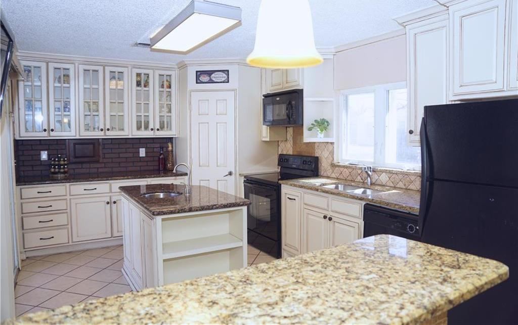 Sold Property | 4809 Fairfax Street Fort Worth, Texas 76116 7