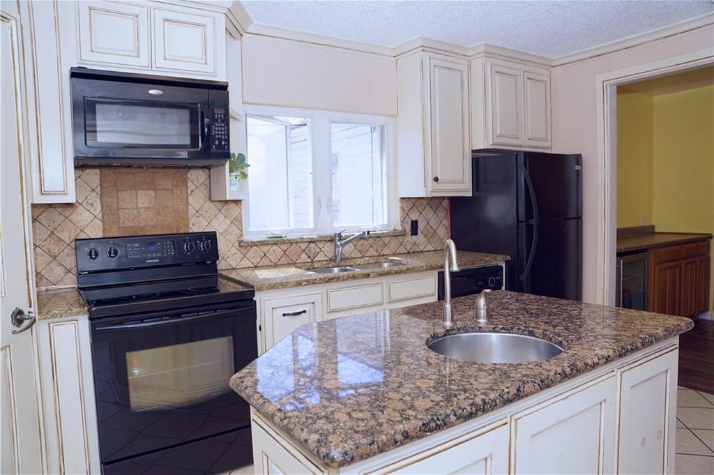 Sold Property | 4809 Fairfax Street Fort Worth, Texas 76116 9