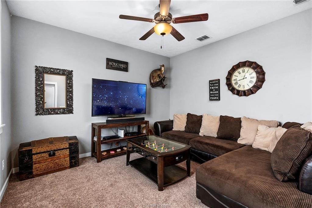 Pending | 4423 Toddington Lane College Station, Texas 77845 19