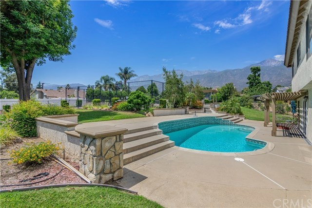 Closed | 6024 Malachite  Avenue Rancho Cucamonga, CA 91737 4