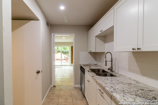 Active Option | 185 TERRELL RD   #301- C Alamo Heights, TX 78209 14