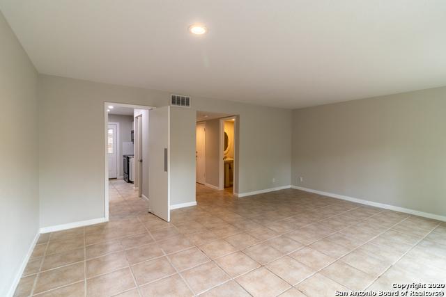 Active Option | 185 TERRELL RD   #301- C Alamo Heights, TX 78209 10