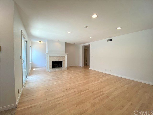 Closed | 313 N Broadway   #1 Redondo Beach, CA 90277 2