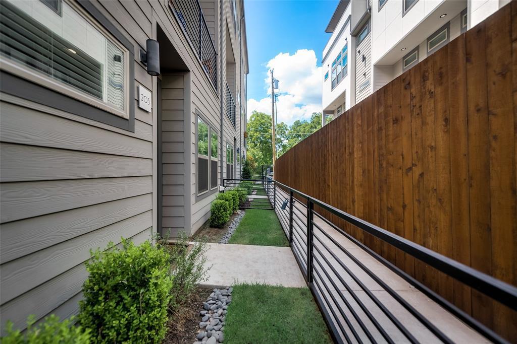 Sold Property | 4226 Roseland  Avenue #203 Dallas, TX 75204 20
