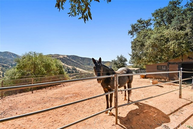 Closed | 8510 Avenida Miravilla Cherry Valley, CA 92223 37