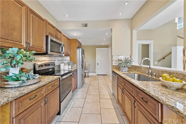 Active Under Contract | 83 Dover  Place #83 Laguna Niguel, CA 92677 5