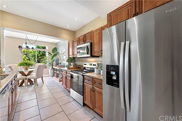 Active Under Contract | 83 Dover  Place #83 Laguna Niguel, CA 92677 6