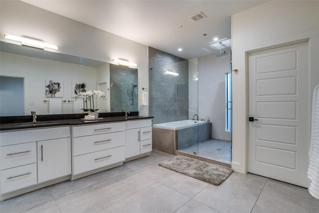 Active | 422 W 9th  Street #107 Dallas, TX 75208 19