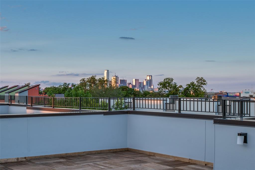 Active | 422 W 9th  Street #107 Dallas, TX 75208 22