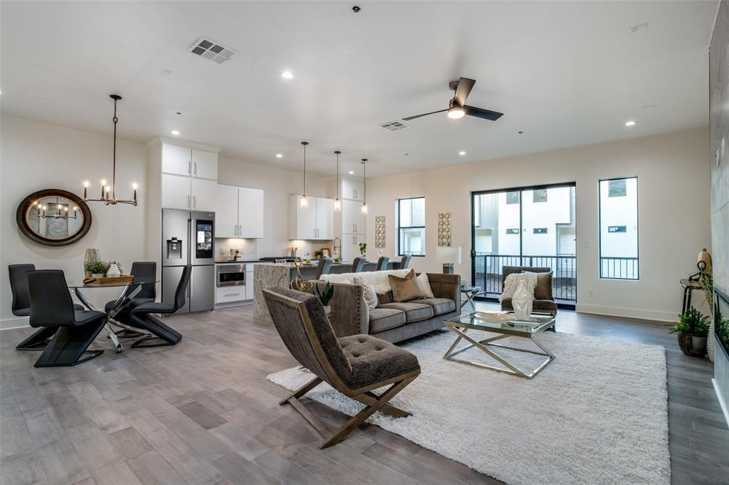Active | 422 W 9th  Street #107 Dallas, TX 75208 5