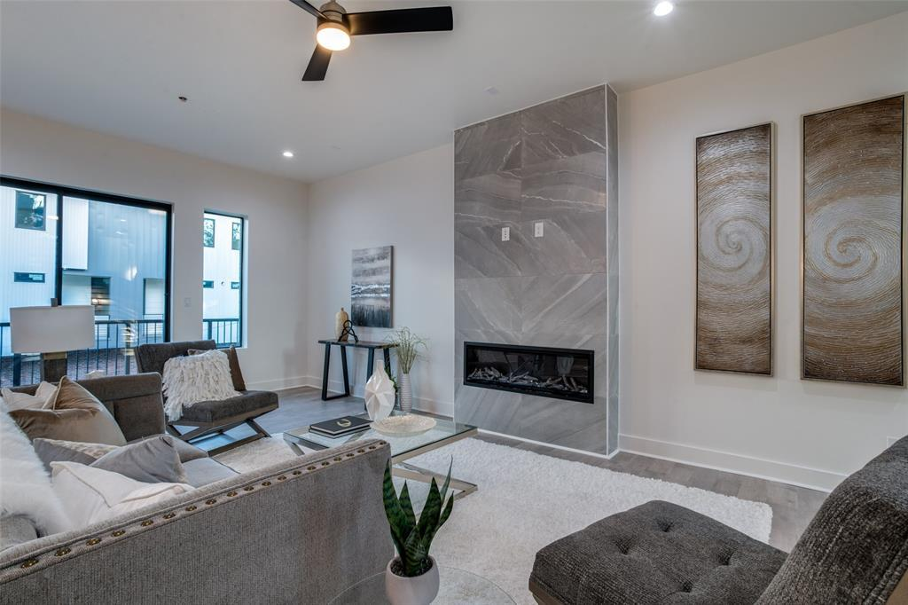 Active | 422 W 9th  Street #107 Dallas, TX 75208 6