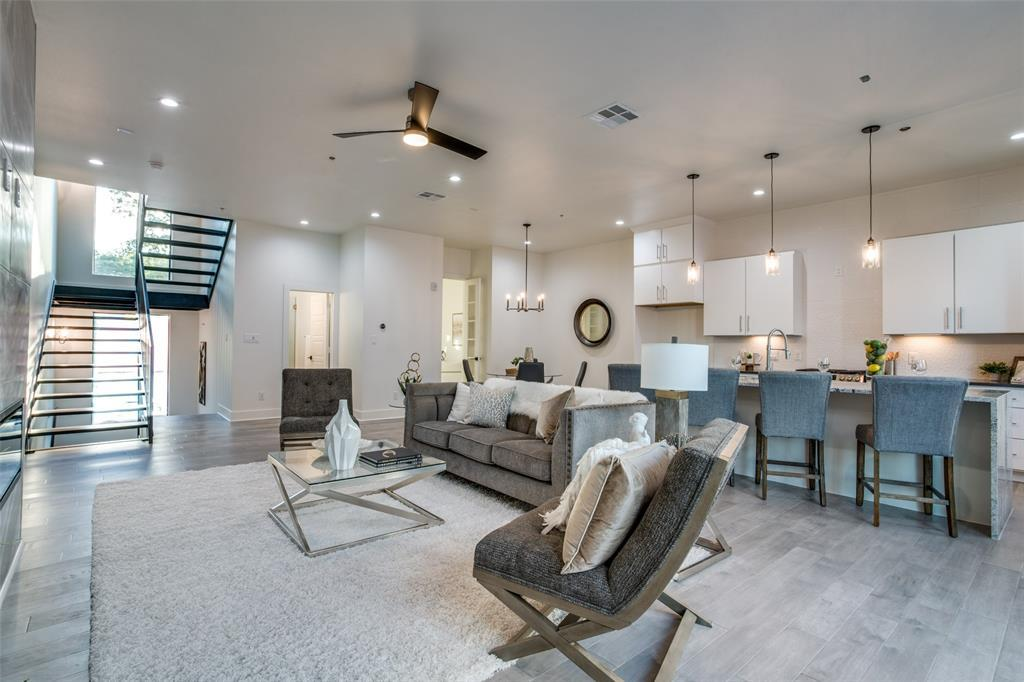 Active | 422 W 9th  Street #107 Dallas, TX 75208 7