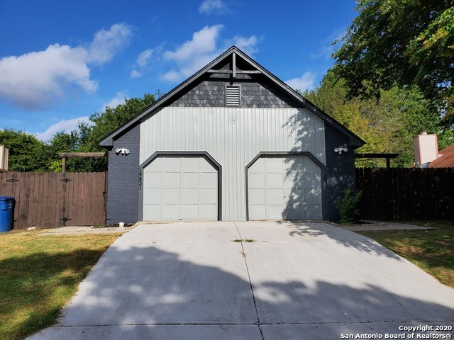 Active/Application Received | 14433 WOODS HOLE DR San Antonio, TX 78233 1