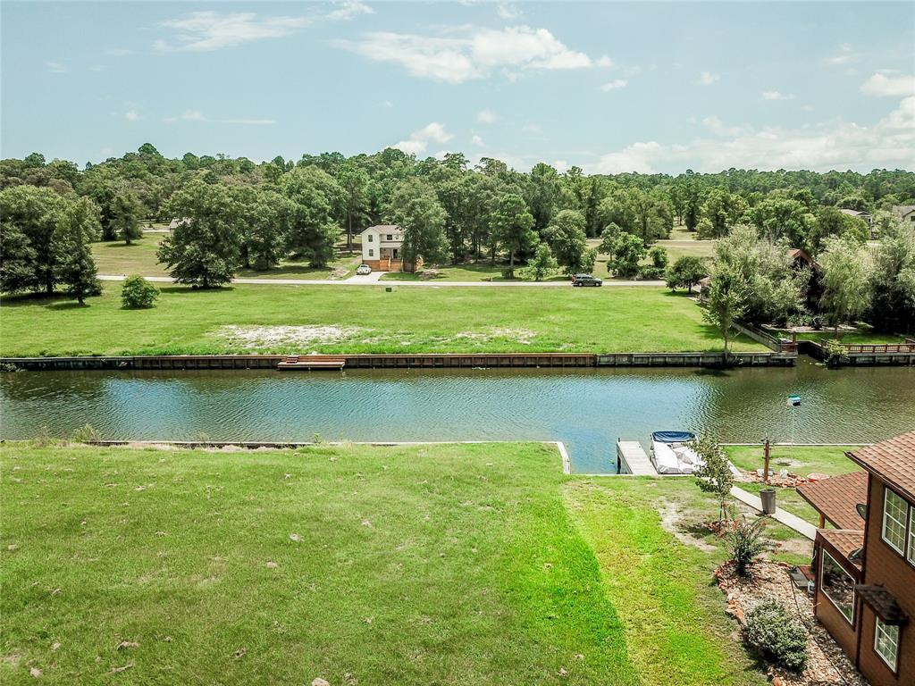Active | 152 Wildwood Lake  Drive Huntsville, TX 77340 1
