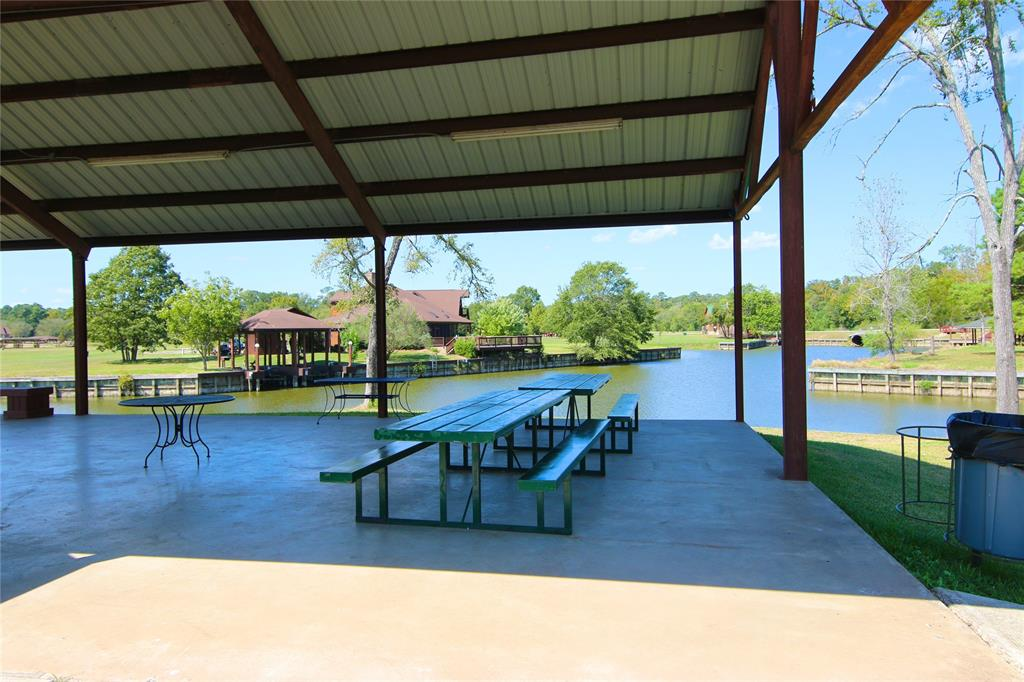 Active | 152 Wildwood Lake  Drive Huntsville, TX 77340 7