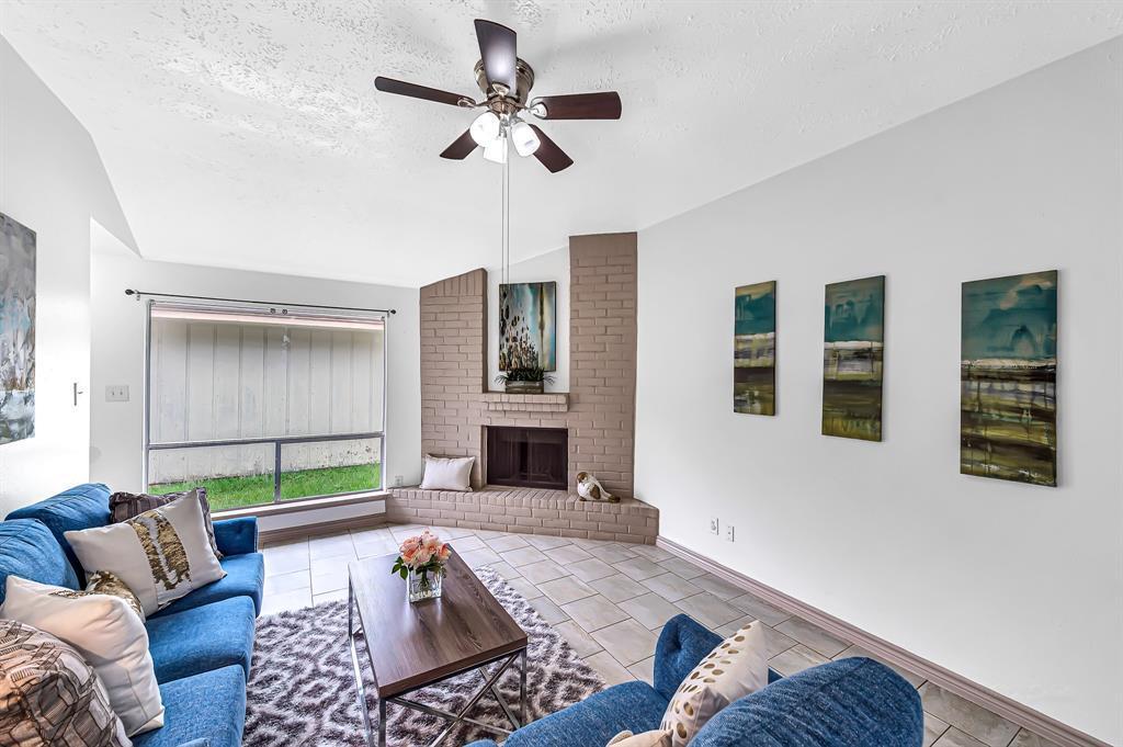 Option Pending   20614 Broughwood  Circle Katy, TX 77449 9