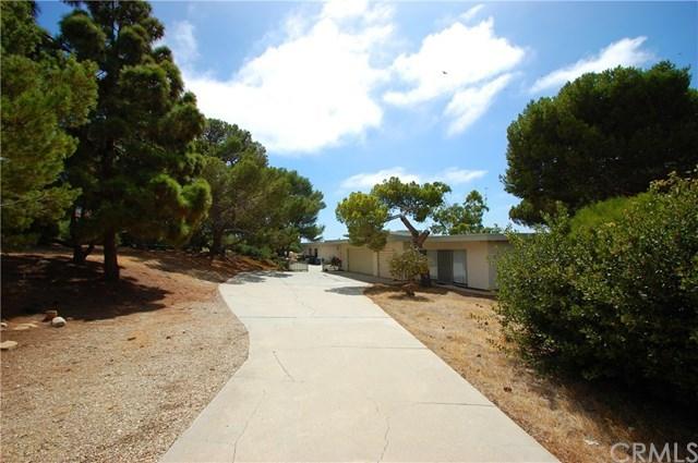 Pending | 10 Marguerite Drive Rancho Palos Verdes, CA 90275 3