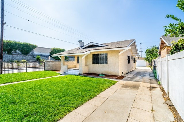 Active Under Contract | 428 W 75th  Street Los Angeles, CA 90003 2