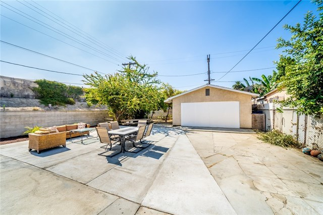 Active Under Contract | 428 W 75th  Street Los Angeles, CA 90003 31