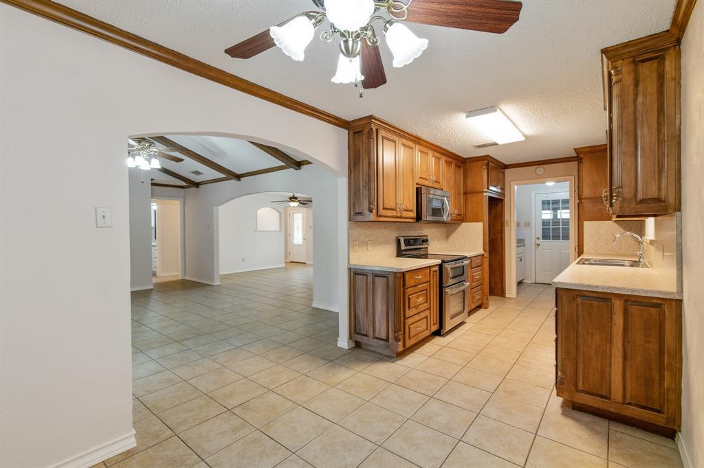 Sold Property   609 Sandlin Drive Bedford, Texas 76021 13