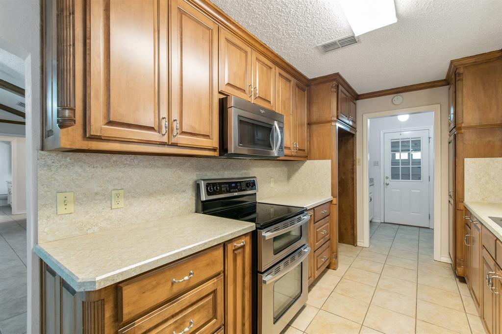 Sold Property   609 Sandlin Drive Bedford, Texas 76021 16
