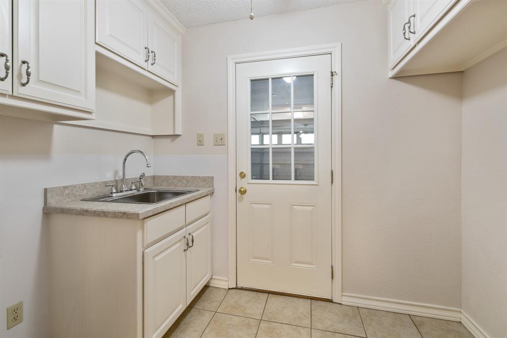 Sold Property   609 Sandlin Drive Bedford, Texas 76021 17