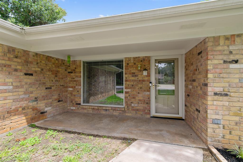 Sold Property   609 Sandlin Drive Bedford, Texas 76021 4