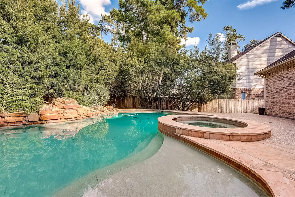 Active | 30 FILIGREE PINES  Place The Woodlands, TX 77382 1