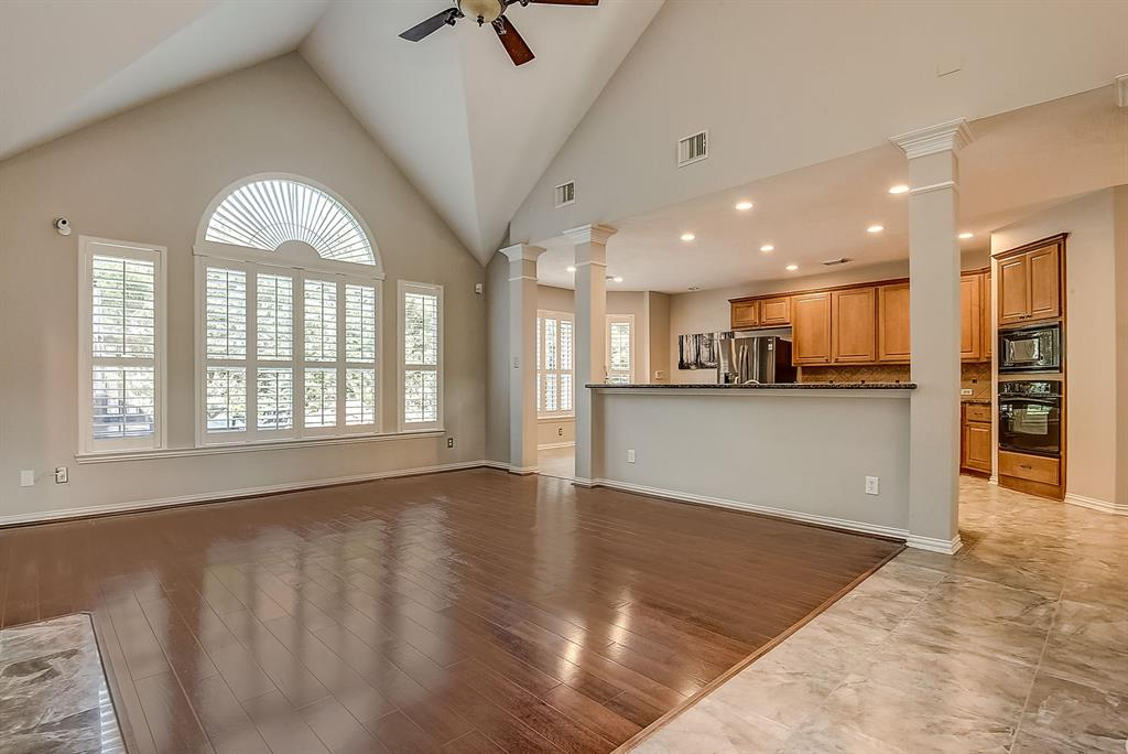Active | 30 FILIGREE PINES  Place The Woodlands, TX 77382 2