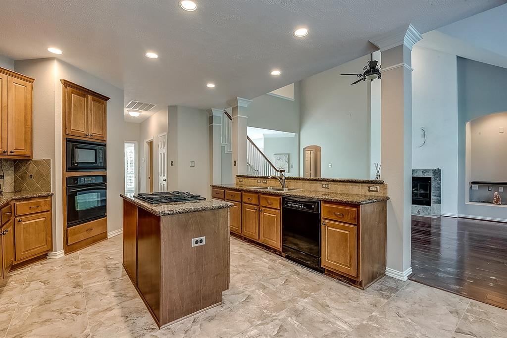 Active | 30 FILIGREE PINES  Place The Woodlands, TX 77382 8