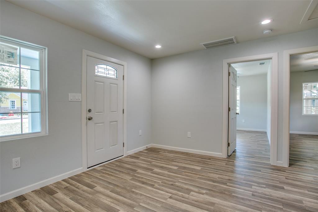 Sold Property | 701 Lakeland Court Lake Dallas, Texas 75065 5