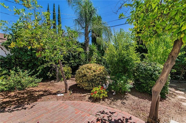 Pending | 5112 Hesperia  Avenue Encino, CA 91316 21