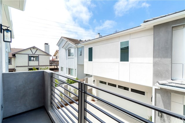 Active | 2517 Voorhees  Avenue #A Redondo Beach, CA 90278 25