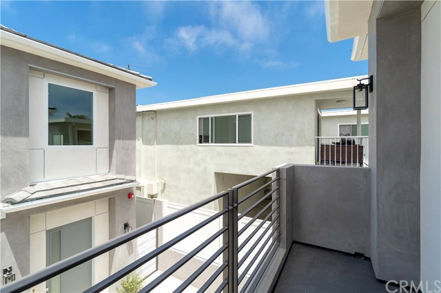 Active | 2517 Voorhees  Avenue #A Redondo Beach, CA 90278 26