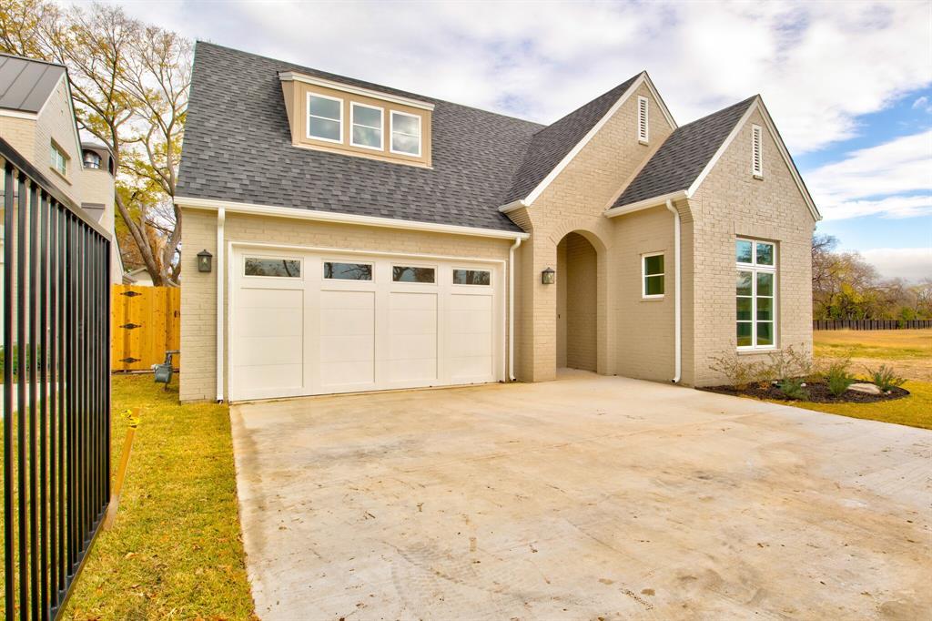 Active | 5624 Oaks  Lane Westworth Village, TX 76114 1